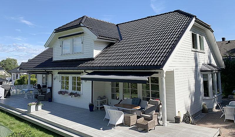Eksempel på takstein etter takvask, maling av takstein og takfornying